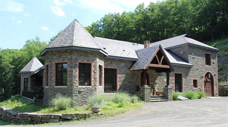 414 PAINTER HILL ROAD, Spring Glen, NY 12483