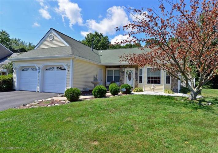 1 Bridle Path, Tinton Falls, NJ 07753