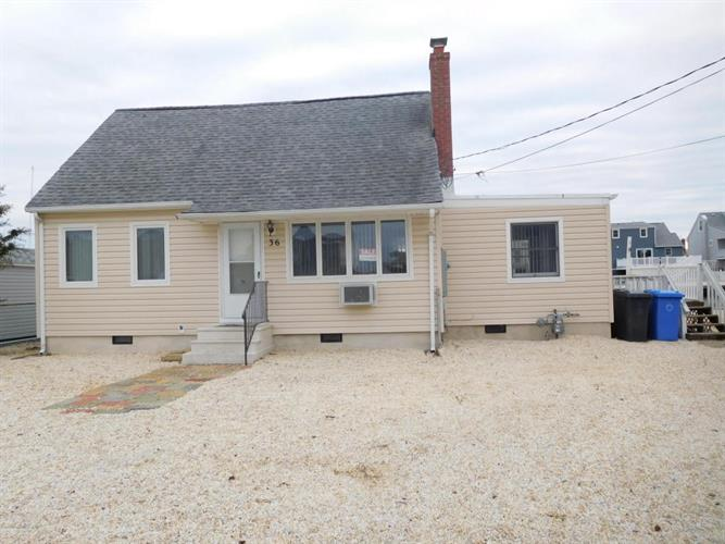 36 Robert Drive, Manahawkin, NJ 08050