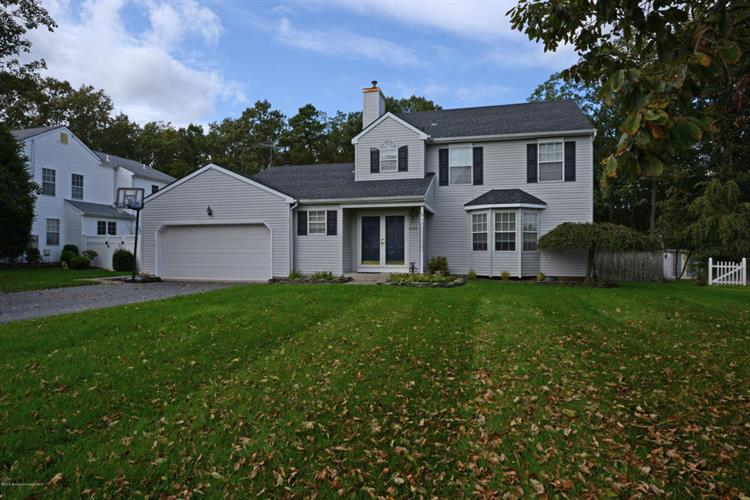 1284 Beauchamps Place, Toms River, NJ 08753