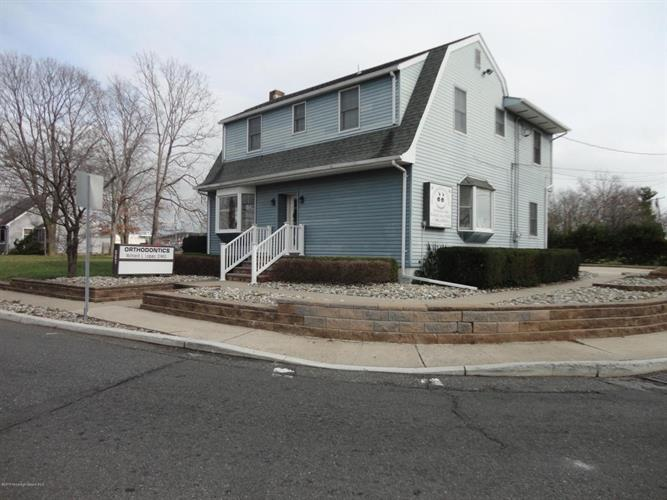 801 Hooper Avenue, Toms River, NJ 08753