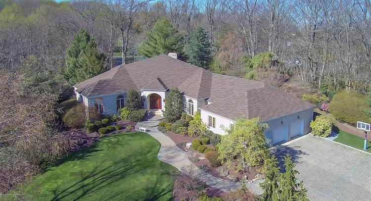 2 Thistle Lane, Holmdel, NJ 07733