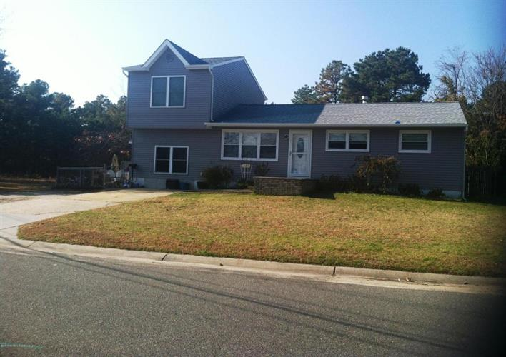 121 Attison Avenue, South Toms River, NJ 08757