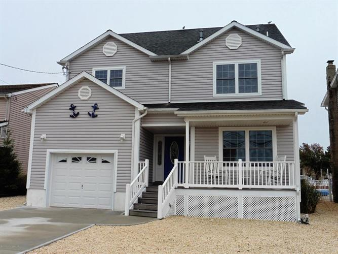 23 Pilot Road, Toms River, NJ 08753