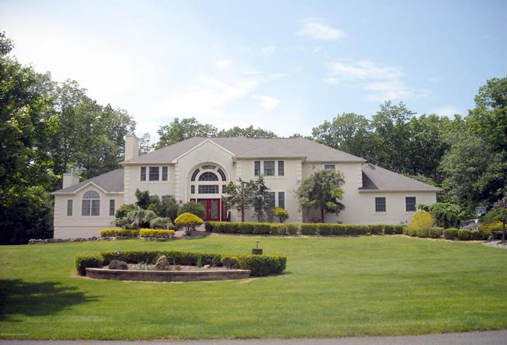 8 Stoney Brook Drive, Millstone, NJ 08510