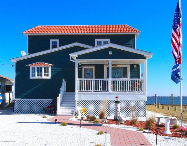107 Bay Shore Drive, Toms River, NJ 08753