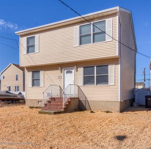 204 Coolidge Avenue, Ortley Beach, NJ 08751