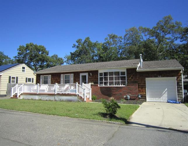 512 Windsor Street, Forked River, NJ 08731