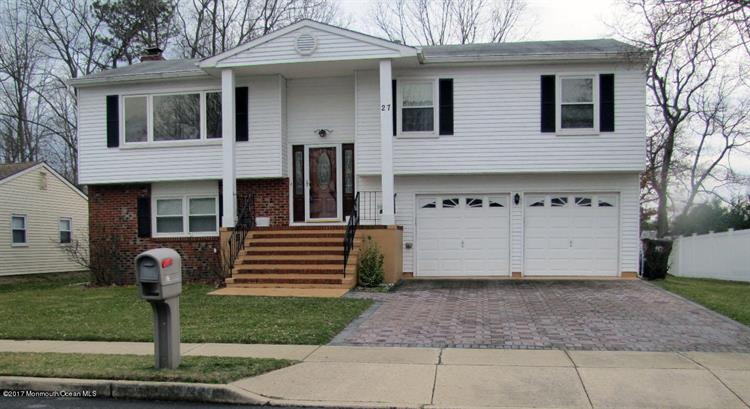 27 Pine Needle Street, Howell, NJ 07731