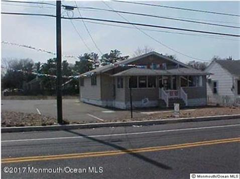 118 Atlantic City Boulevard, Beachwood, NJ 08722