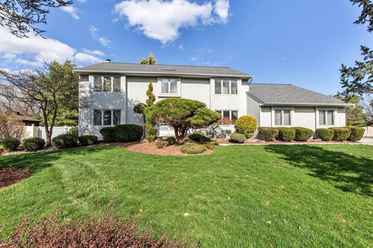 82 Redwood Lane, Freehold, NJ 07728