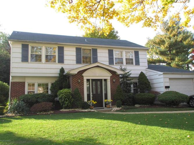 21 Idaho Lane, Aberdeen, NJ 07747