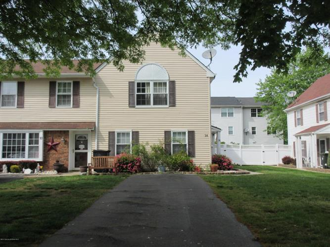 14 Fieldcrest Way, Hazlet, NJ 07730