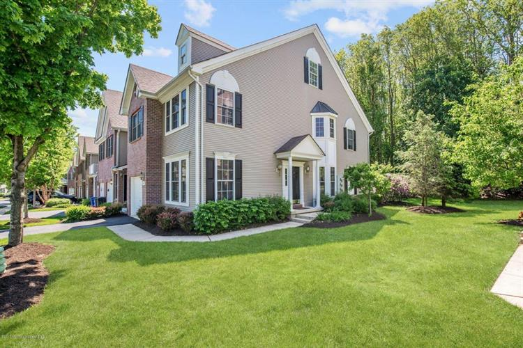 129 Ironwood Court, Middletown, NJ 07748