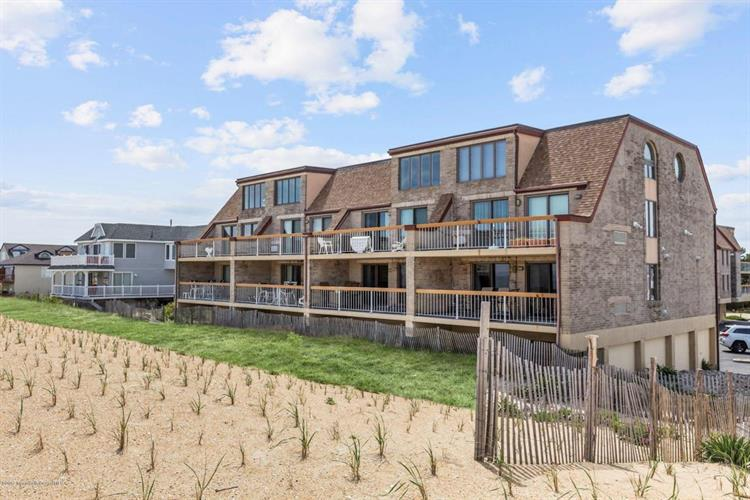 9 Pearl Street, Beach Haven, NJ 08008