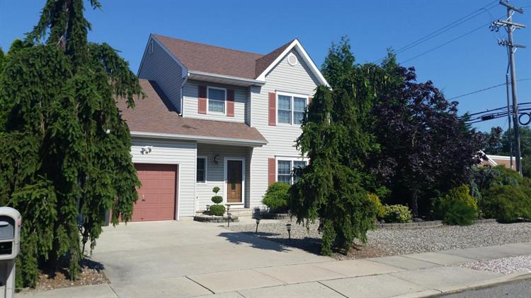 2 Princeton Pines Place, Brick, NJ 08724