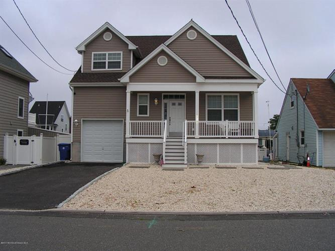508 Bayview Drive, Toms River, NJ 08753