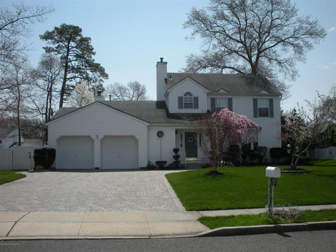 1277 Beauchamps Place, Toms River, NJ 08753