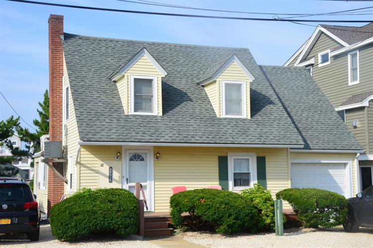18 E South Carolina Avenue, Long Beach Township, NJ 08008