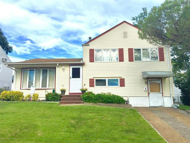 28 Campbell Drive, Parlin, NJ 08859