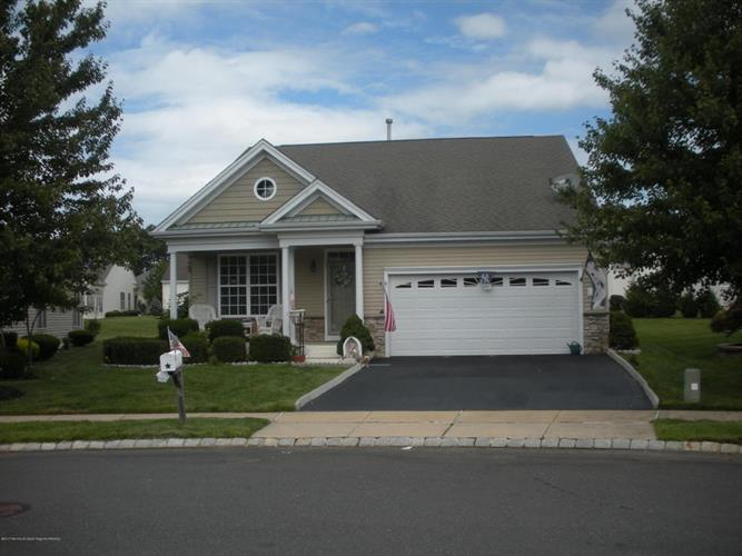 9 Wadsworth Place, Barnegat, NJ 08005