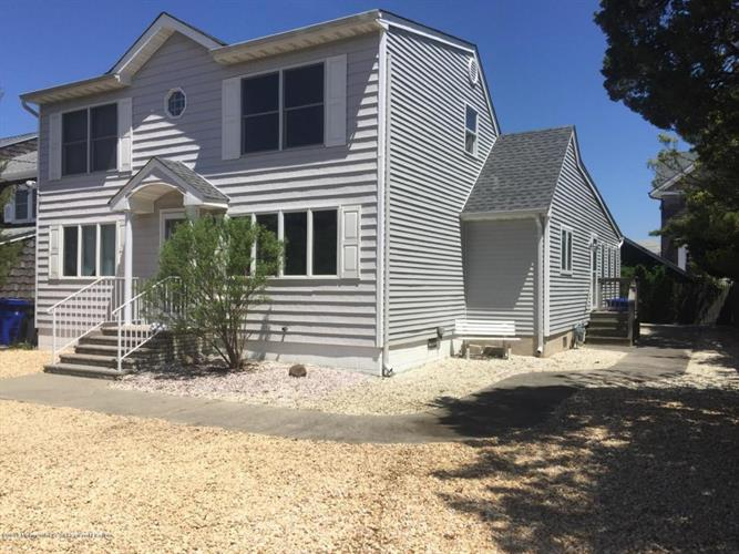 222 4th Avenue, Lavallette, NJ 08735