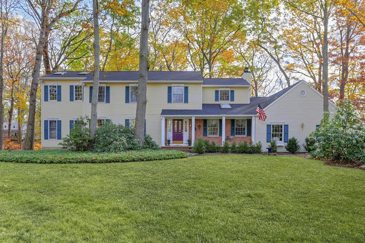 101 Oak Glen, Middletown, NJ 07748