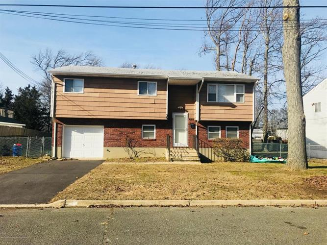 29 W Hillsdale Avenue, Long Branch, NJ 07740