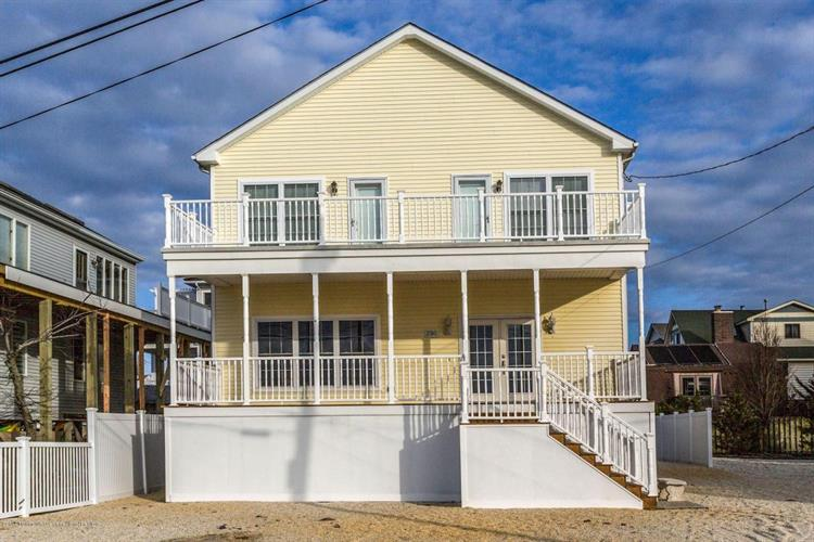 2310 S Bayview Avenue, Seaside Park, NJ 08752