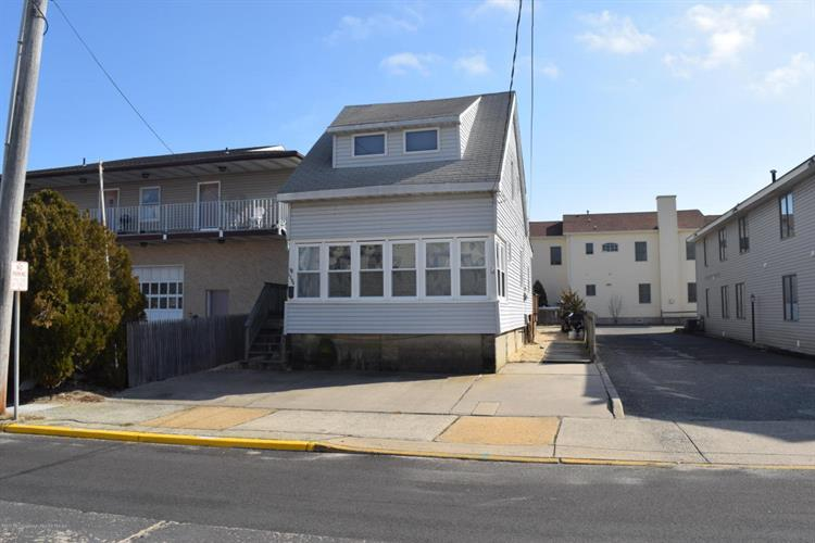 1704 Boulevard, Seaside Park, NJ 08752