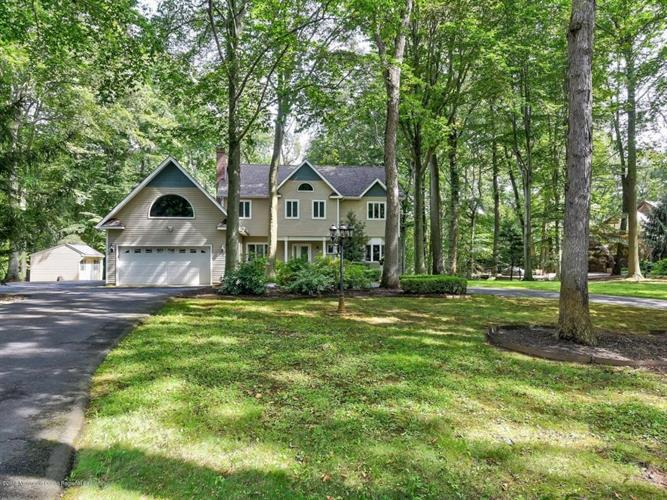 76 Reids Hill Road, Morganville, NJ 07751