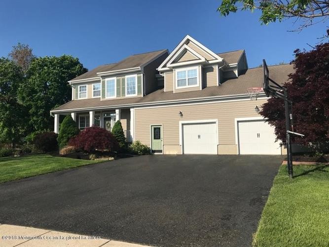 33 Hampshire Boulevard, Jackson, NJ 08527
