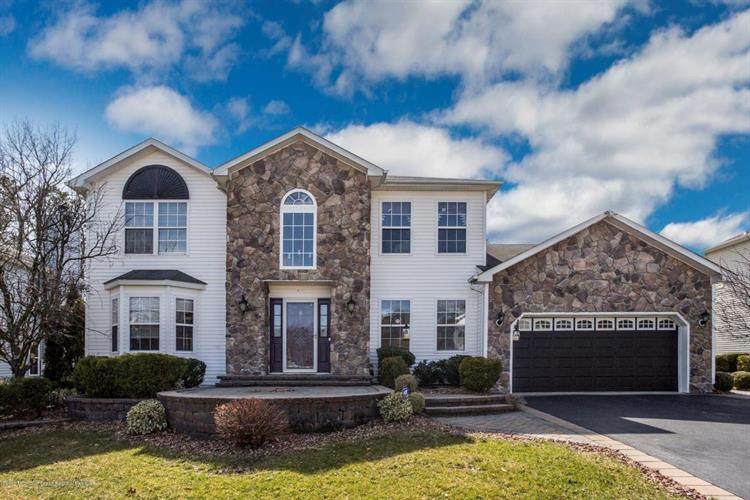 6 Diamond Lane, Howell, NJ 07731