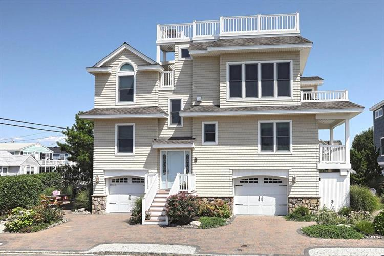 101 E Lillie Avenue, Long Beach Township, NJ 08008