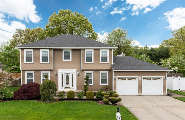 19 Melissa Lane, Howell, NJ 07731