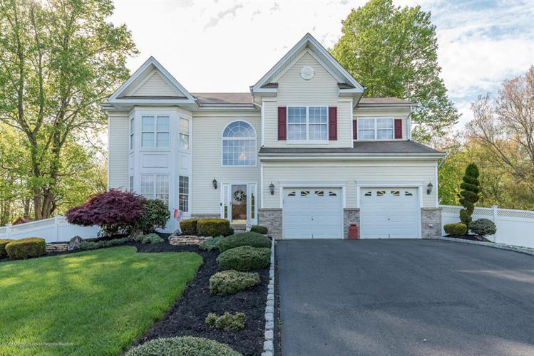 14 Hastings Court, Jackson, NJ 08527