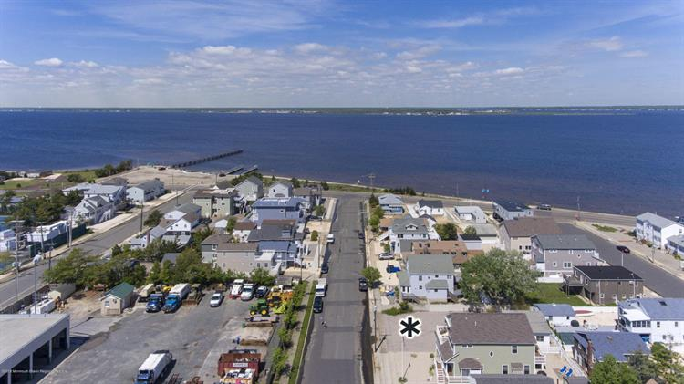 212 12th Avenue, Seaside Park, NJ 08752