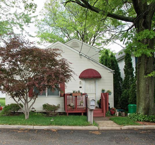 202 Arlington Avenue, Cliffwood, NJ 07721