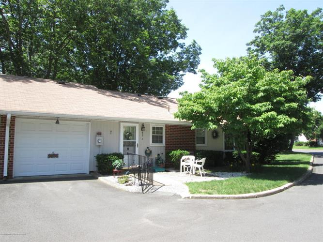 837A Inverness Court, Lakewood, NJ 08701