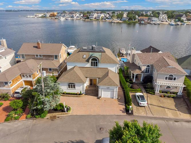 1688 East Drive, Point Pleasant, NJ 08742