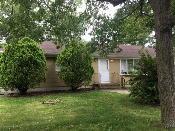 945 Mermaid Avenue, Beachwood, NJ 08722
