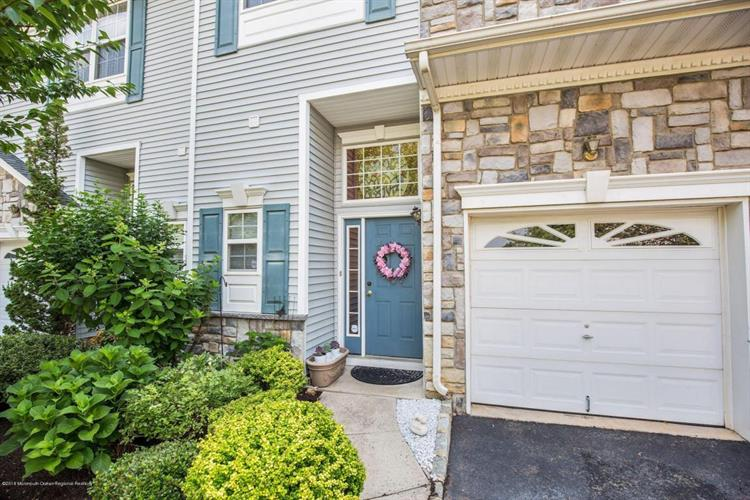 16 Bridgepointe Drive, Laurence Harbor, NJ 08879