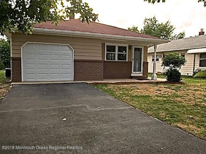 69 Scarborough Place, Toms River, NJ 08757