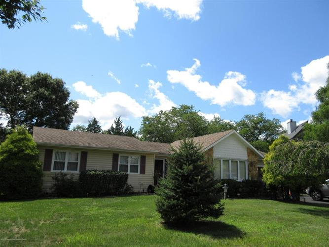 700 Princess Court, Toms River, NJ 08753