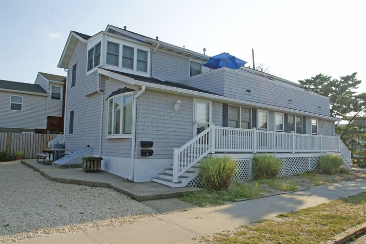 26 Bond Avenue, Lavallette, NJ 08735
