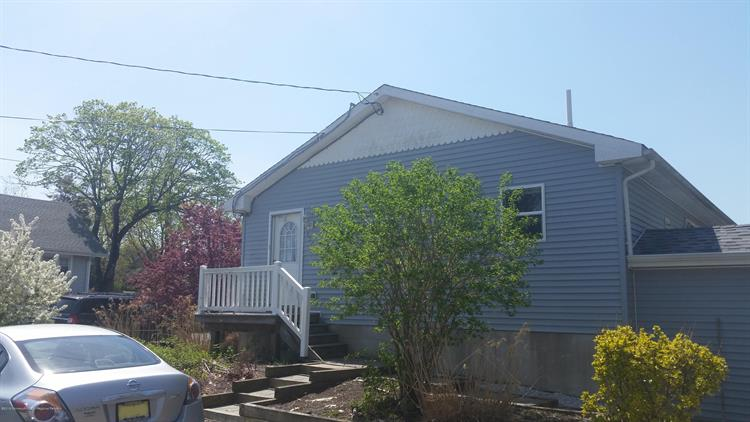 137 Railroad Avenue, Tuckerton, NJ 08087 - Image 1