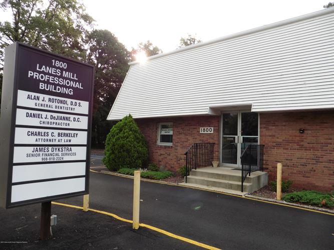 1800 Lanes Mill Road, Brick, NJ 08724