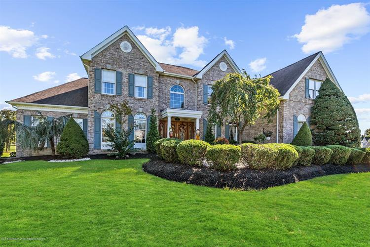 22 Tanglewood Court, Freehold, NJ 07728 - Image 1