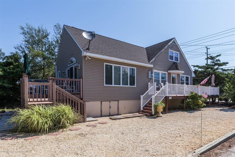 6302 Long Beach Boulevard, Harvey Cedars, NJ 08008 - Image 1