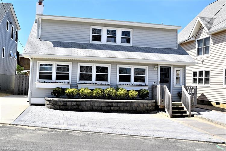 110 Georgian Drive, Mantoloking, NJ 08738 - Image 1